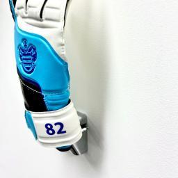 Goalkeeper-Glove-Wall-Holder-1.jpg