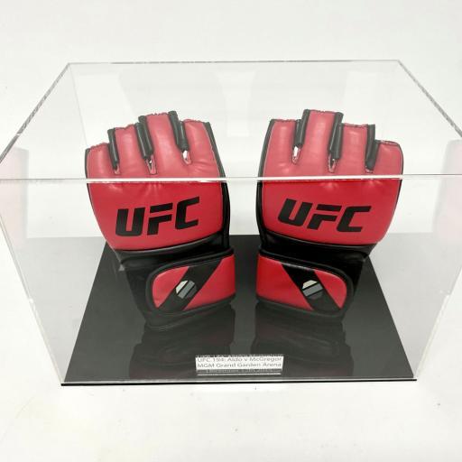 MMA-Glove-Display-Case-4.jpg